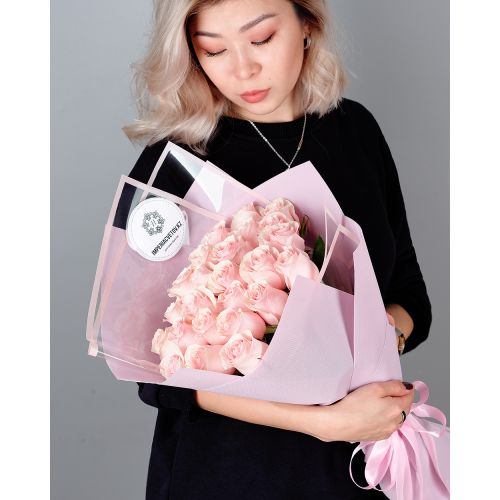 Купить на заказ Букет из 25 розовых роз с доставкой в Шалкаре