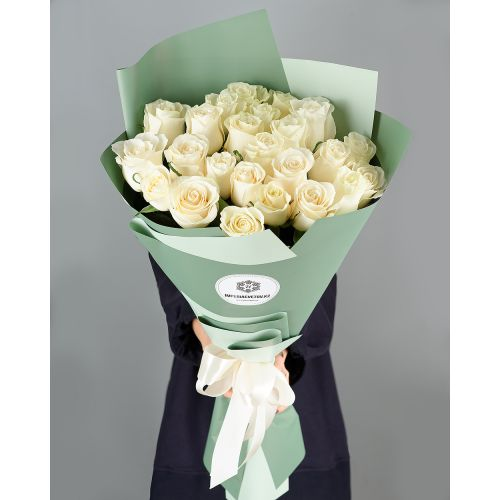 Купить на заказ Букет из 25 белых роз с доставкой в Шалкаре