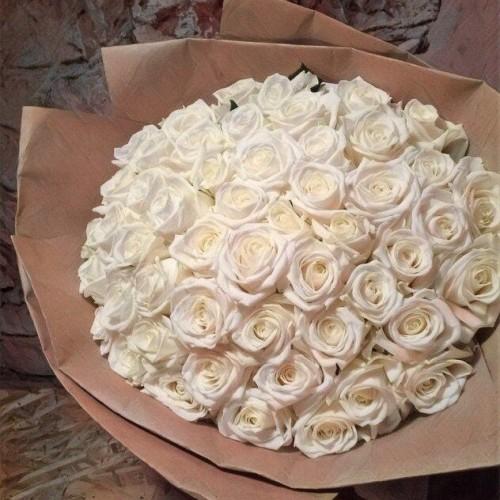 Купить на заказ Букет из 101 белой розы с доставкой в Шалкаре